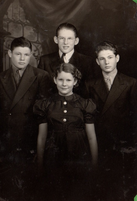 My dad and siblings 1933