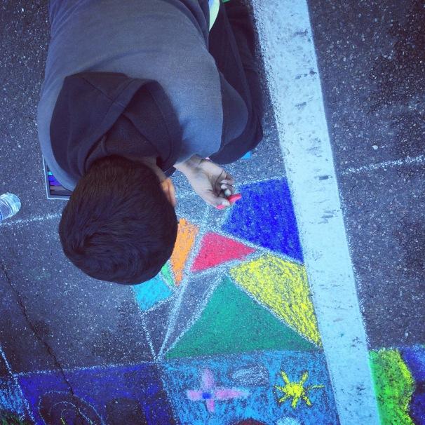 artist on kneepad