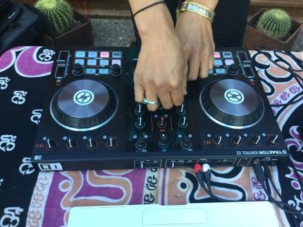 yoga DJ