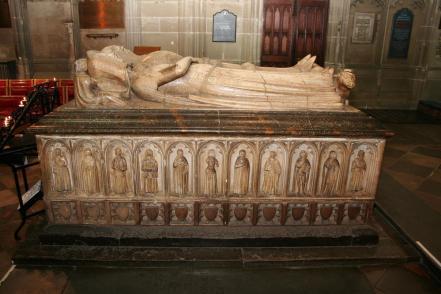 Burial: St Mary Churchyard Warwick Warwick District Warwickshire, England