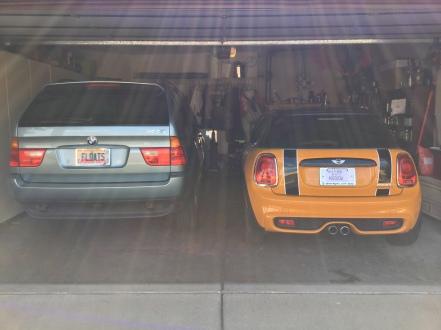 big car, mini car
